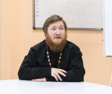Духовник семинарии провел встречу со студентами