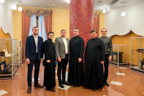 Семинаристы послушали симфоническо-хоровую поэму «Чернобыльская Литургия» в Белорусской государственной филармонии