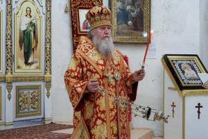 В канун Недели 5-й по Пасхе ректор семинарии совершил всенощное бдение в храме святой великомученицы Ирины