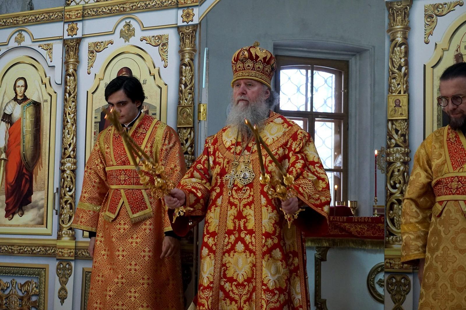 В день памяти святой великомученицы Ирины ректор семинарии совершил Литургию в одноименном храме города Москвы