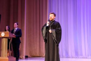 Проректор по воспитательной работе Витебской духовной семинарии принял участие в подведении итогов учебного года в средней школе №11
