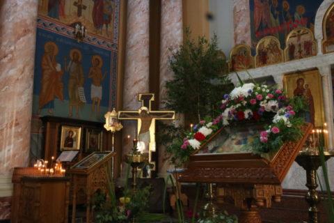 В канун праздника Святой Троицы первый проректор Витебской духовной семинарии совершил всенощное бдение в храме Воскресения Христова города Витебска