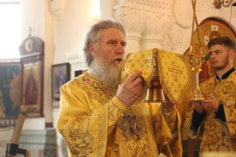 27 июня 2021 г. В Неделю 1-ю по Пятидесятнице архиепископ Димитрий совершил Литургию в Свято-Покровском соборе города Витебска