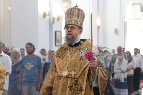 Ректор семинарии сослужил митрополиту Белоцерковскому и Богуславскому Августину в Свято-Успенском кафедральном соборе города Витебска