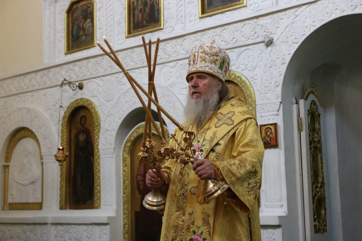 В канун праздника первоверховных апостолов Петра и Павла, ректор семинарии совершил всенощное бдение в Свято-Троицком Марковом мужском монастыре