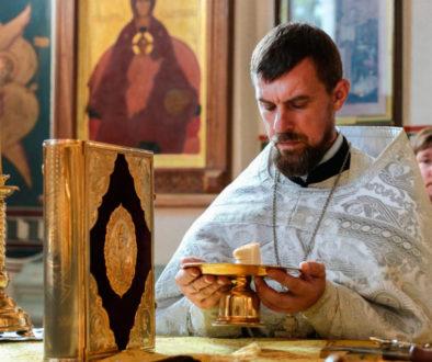 В Неделю 4-ую по Пятидесятнице ректор семинарии совершил Литургию в Свято-Покровском соборе города Витебска