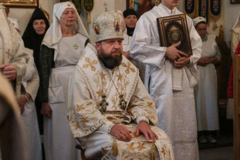 В день отдания праздника Преображения Господня преподаватели семинарии сослужили епископу Лидскому и Сморгонскому Порфирию в Свято-Духовом женском монастыре города Витебска