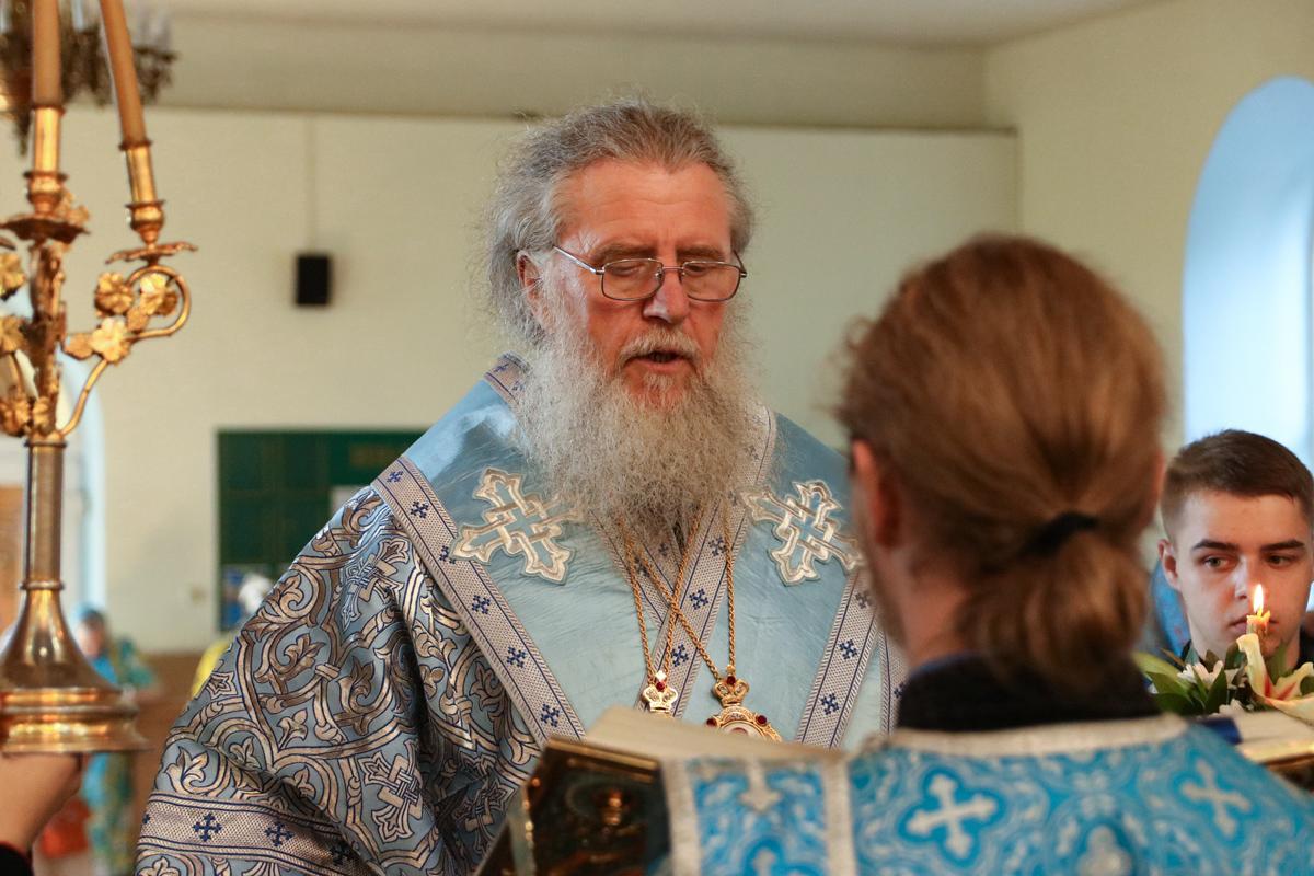 В канун праздника явления чудотворного образа Пресвятой Богородицы в городе Казани ректор семинарии совершил всенощное бдение в Свято-Троицком Марковом мужском монастыре