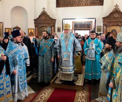 Впраздник Рождества Пресвятой Богородицы ректор семинарии возглавил престольное торжество в одноименном храме города Орши