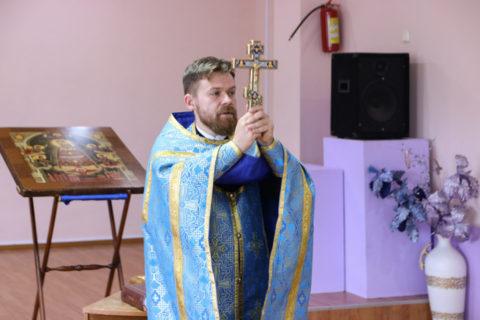 В первые дни учебного года проректор по воспитательной работе совершил молебен в средней школе № 11 города Витебска