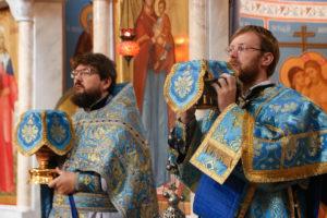 В Неделю 11-ю по Пятидесятнице первый проректор семинарии совершил Литургию в храме Воскресения Христова города Витебска