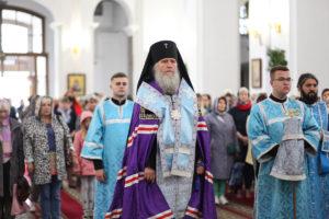Семинаристы приняли участие в торжественном архиерейском молебне перед началом учебного года