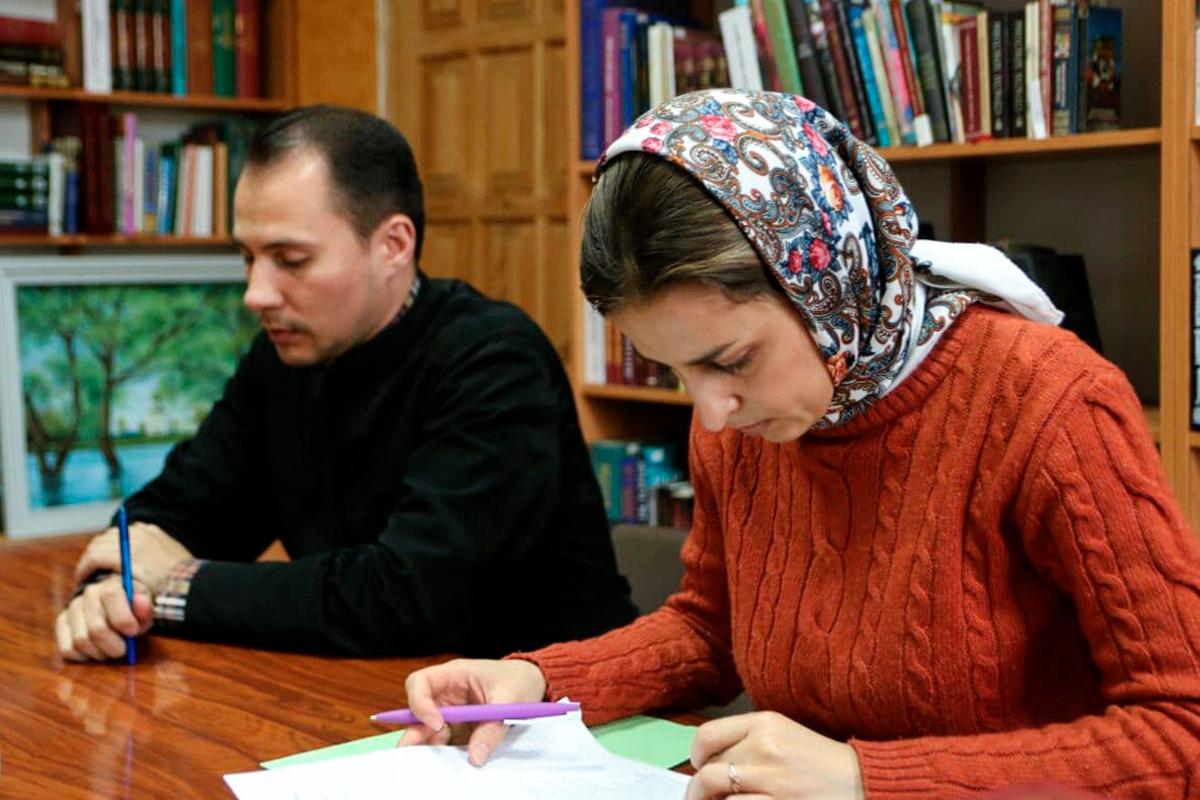Преподаватели семинарии приняли участие во вступительных экзаменах