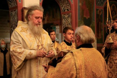 В канун Недели 13-й по Пятидесятнице ректор семинарии совершил всенощное бдение в Свято-Покровском соборе города Витебска