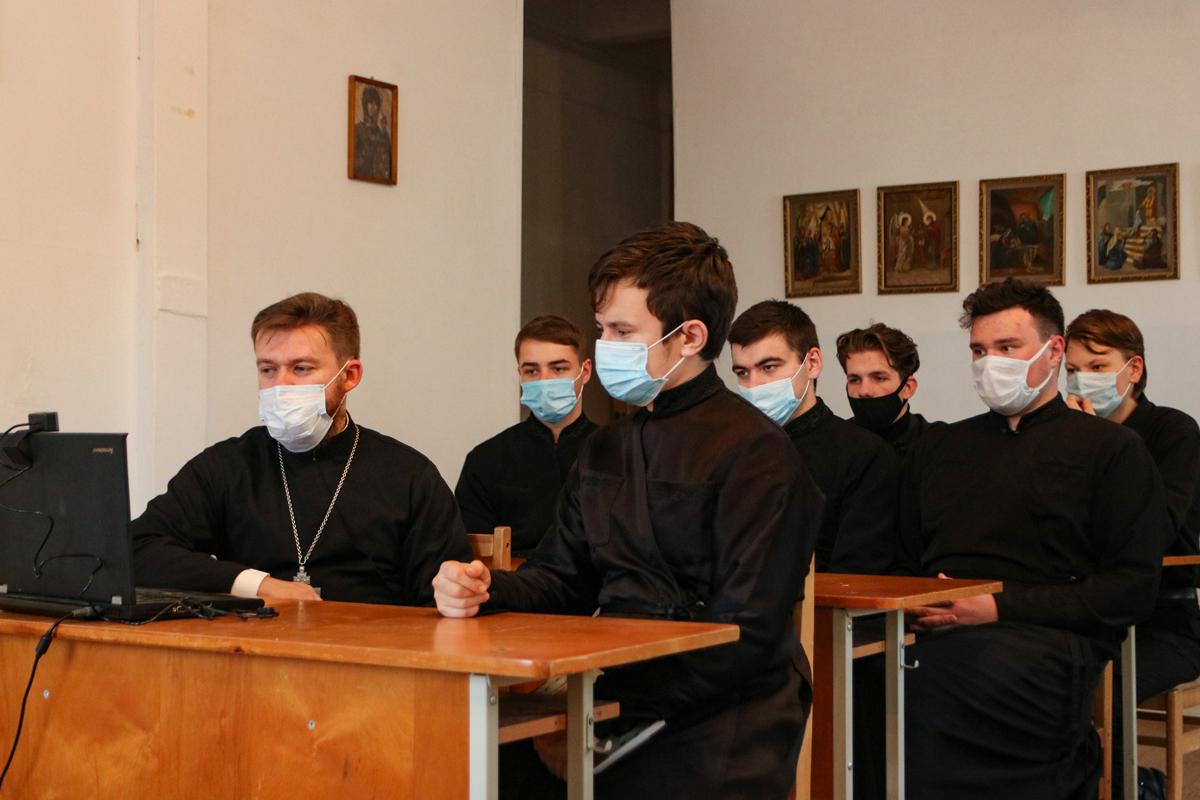 Представители семинарии прияли участие в 20-х Республиканских Свято-Ефросиниевских педагогических чтениях