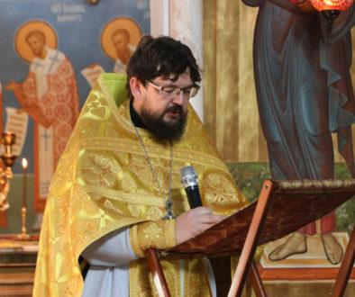 В Неделю 16-ю по Пятидесятнице первый проректор семинарии совершил Литургию в храме Воскресения Христова